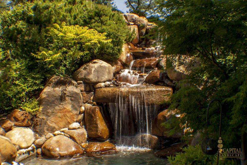 Water features in landscape design sacramento ca for Landscaping rocks sacramento