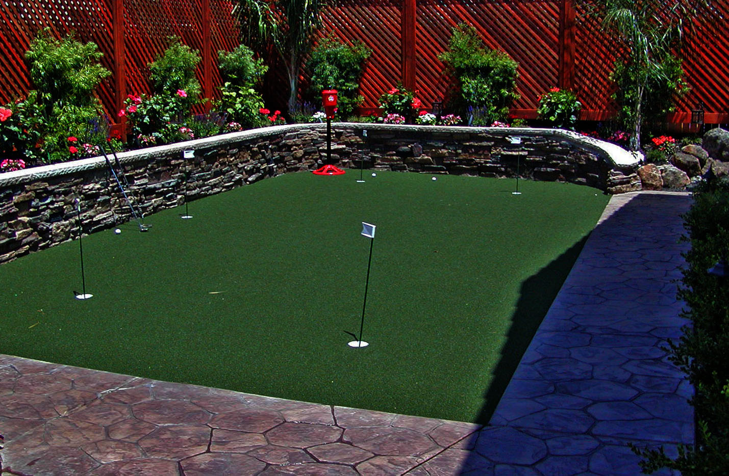 Putting greens and artificial grass sacramento landscape for Landscaping rocks sacramento